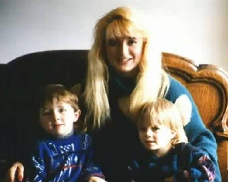 Douglas Mulder, uno de los abogados de la defensa, dijo que no había ninguna razón para qué ella hubiera querido matar a sus hijos y que no era realista acusarla de montar la escena del crimen (Facebook)