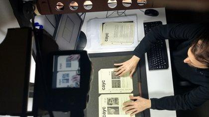 Digitalización de documentos (Museo de Arte Moderno de Buenos Aires)