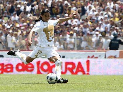A pesar de que sus mejores momentos los vivió con Cruz Azul, fue en Pumas donde ganó más campeonatos (Foto: Reuters)