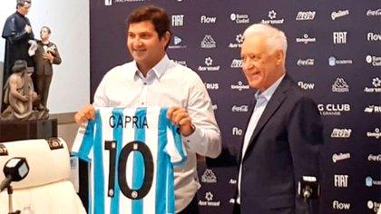 Rubén Capria fue presentado hace días por el presidente Víctor Blanco (Racing Oficial)
