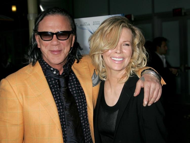 El reencuentro de Basinger y Rourke. Los dos habían vivido demasiado. Ella ganó un Oscar, él lo mereció pero la Academia de Hollywood no se lo otorgó (Shutterstock)