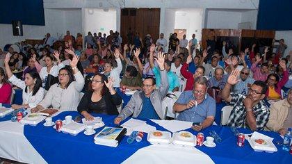 El gobierno sandinista ha continuado con las reuniones y actividades masivas. En la gráfica una reunión de los concejales de la Alcaldía de Managua, esta semana. (Cortesía de La Prensa)