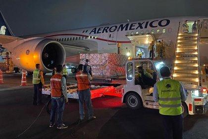Este es el quinto vuelo de este tipo en arribar a territorio mexicano (Foto: Twitter @m_ebrard)