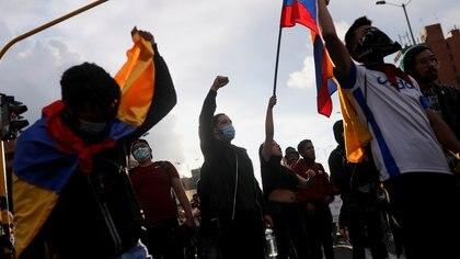 Colombia registra 492 muertes por covid-19, este sábado 8 de mayo