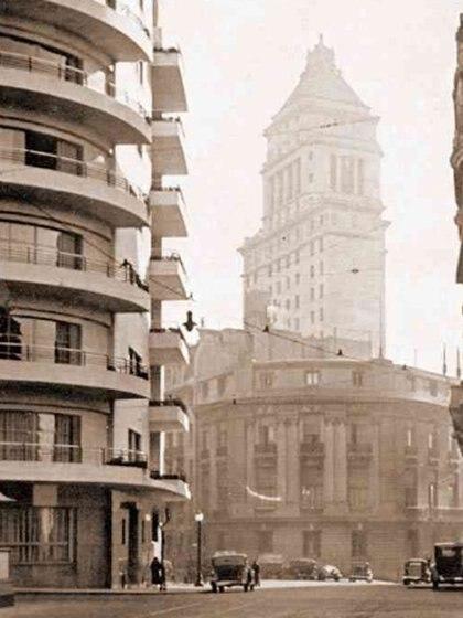 La Torre Mihanovich, en 1936. Se inauguró en 1929