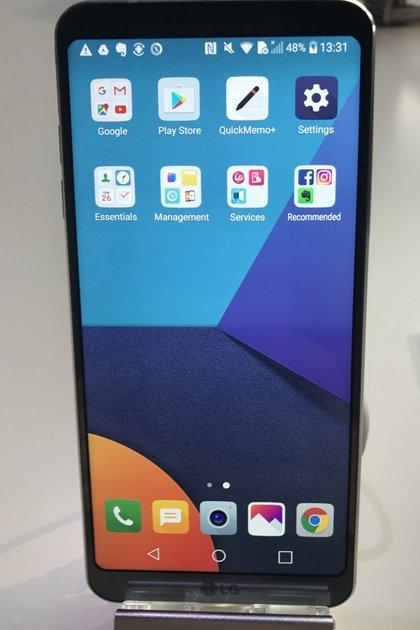 El LG G6 tiene una pantalla de 5,7 pulgadas y es resistente al agua