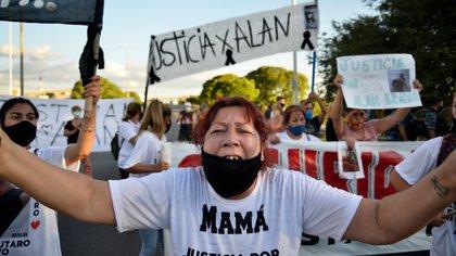 La madre de Alan en la marcha esta tarde (Gustavo Gavotti)