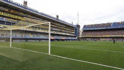 BAS202. BUENOS AIRES (ARGENTINA), 11/11/2018.- Fotografía del césped en el estadio la Bombonera. Foto: EFE/Raúl Martínez