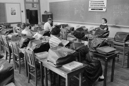 De la mano de la educación, la meritocracia es atractiva porque conlleva la idea de avanzar en la vida más allá de donde uno nació. (Glasshouse Images/Shutterstock)