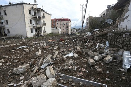 Escombros en Stepanakert, la capital de Nagorno-Karabaj (Hayk Baghdasaryan/Photolure via REUTERS)