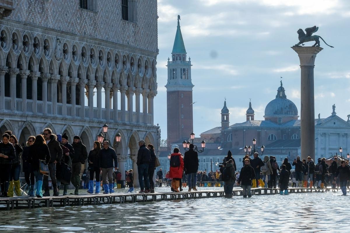 """Inundaciones en Venecia: Italia declaró estado de emergencia por mayor """"acqua alta"""" en más de 50 años - infobae"""