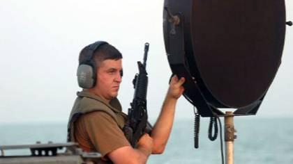 """Un """"cañón sónico"""" LRAD montado sobre un buque estadounidense"""