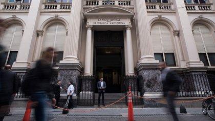 La deuda contraída por el BCRA supera a la Base Monetaria. (Adrián Escandar)