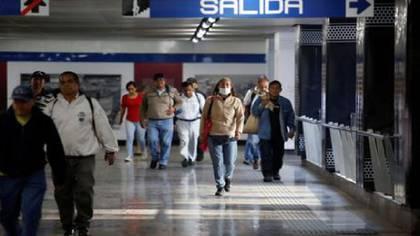 La Ciudad de México se mantiene como la zona roja del país, ya que superó este miércoles los 800 casos y ya acumula 855 positivos, así como un saldo de 39 fallecimientos por coronavirus (Foto: Archivo)
