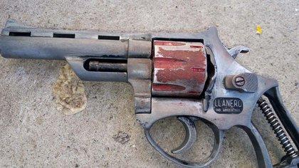 El arma que tenía el adolescente al momento de ser capturado