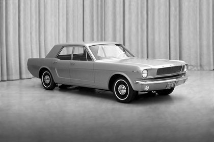El sedán de cuarto puertas que se hizo concept en 1965.