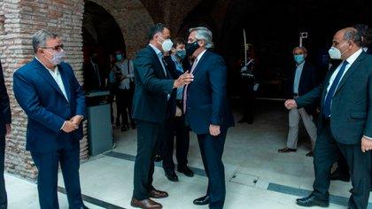 Alberto Fernández con alguno de los gobernadores con los que estará en La Rioja