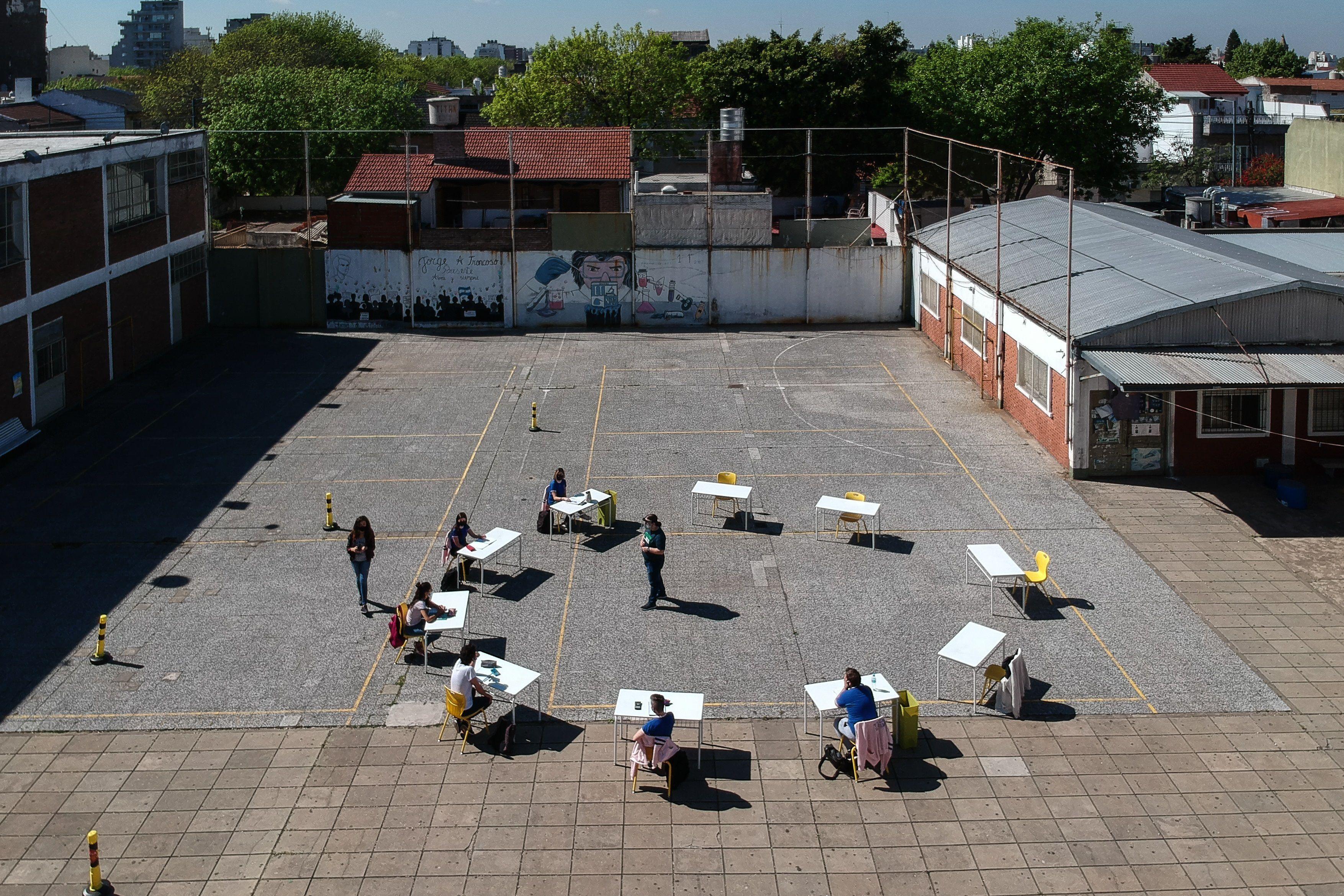 Desde el 17 de febrero, todos los chicos volverán a las aulas en la Ciudad de Buenos Aires (EFE)