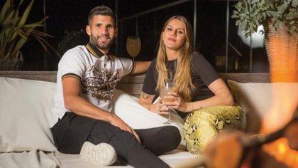 Mica Tinelli junto a Lisandro López