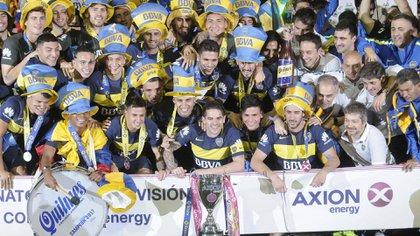 El festejo de Boca por el título de Primera 2016/2017: fue el último en el que participó el futbolista al que sigue Barcelona