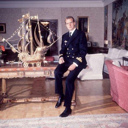 El aún príncipe Juan Carlos de Borbón en el palacio en una imagen tomada en 1968 (Shutterstock)