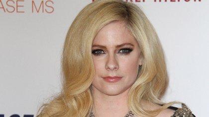"Avril Lavigne también suspendió el tour ""Sk8er Boi"" (Grosby)"
