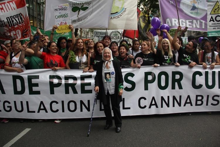 Cortiñas, durante la marcha por la regulación del cannabisen 2018 (Matias Baglietto)