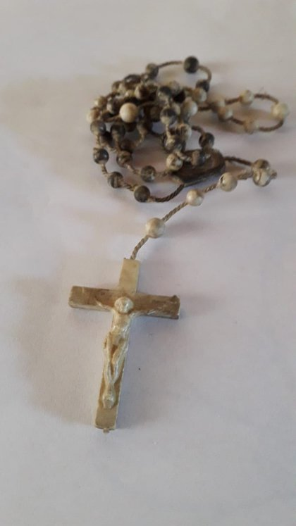 Un rosario que dos monjas le obsequiaron a Chavanne cuando estuvo internado en el Hospital Militar Central.
