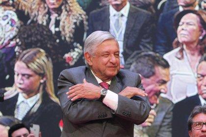 Andrés Manuel López Obrador mostró cariño a la CATEM (Foto: Juan Vicente Manrique/Infobae)