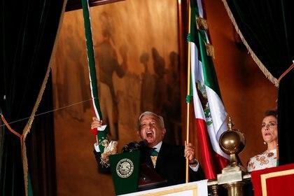 López Obrador usó parte de los 20 vivas que gritó para recordar también a las comunidades indígenas, la grandeza cultural de México, la libertas, la democracia y el amor al prójimo.  (Foto: Reuters/Henry Romero)
