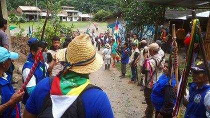 La Minga y la Guardia Indígena son las dos principales formas de organización, manifestación, resistencia y defensa que tienen los indígenas Nasa del norte del Cauca.