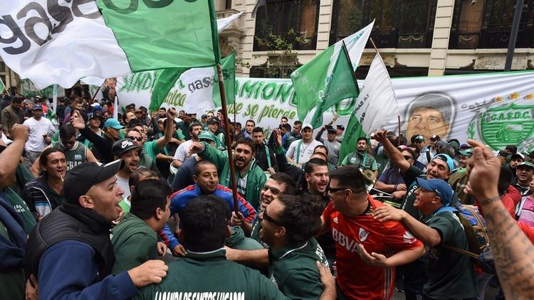 Los gremios opositores se manifestaron frente a la Casa Rosada