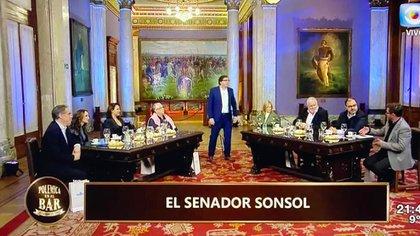 """Edición histórica de la edición uruguaya de """"Polémica en el Bar"""" desde el Palacio Legislativo (Foto: Gentileza Gustavo Sofovich)"""