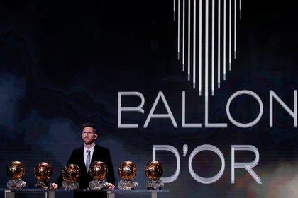 Lionel Messi con sus seis Balones de Oro