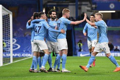 En total ya son ocho los jugadores del Manchester City que se han contagiado de COVID-19 en el último mes (Foto: REUTERS)