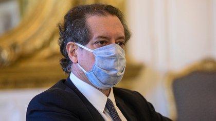 Miguel Pesce, presidente del Banco Central, se ve forzado a vender reservas para evitar una suba del dólar oficial