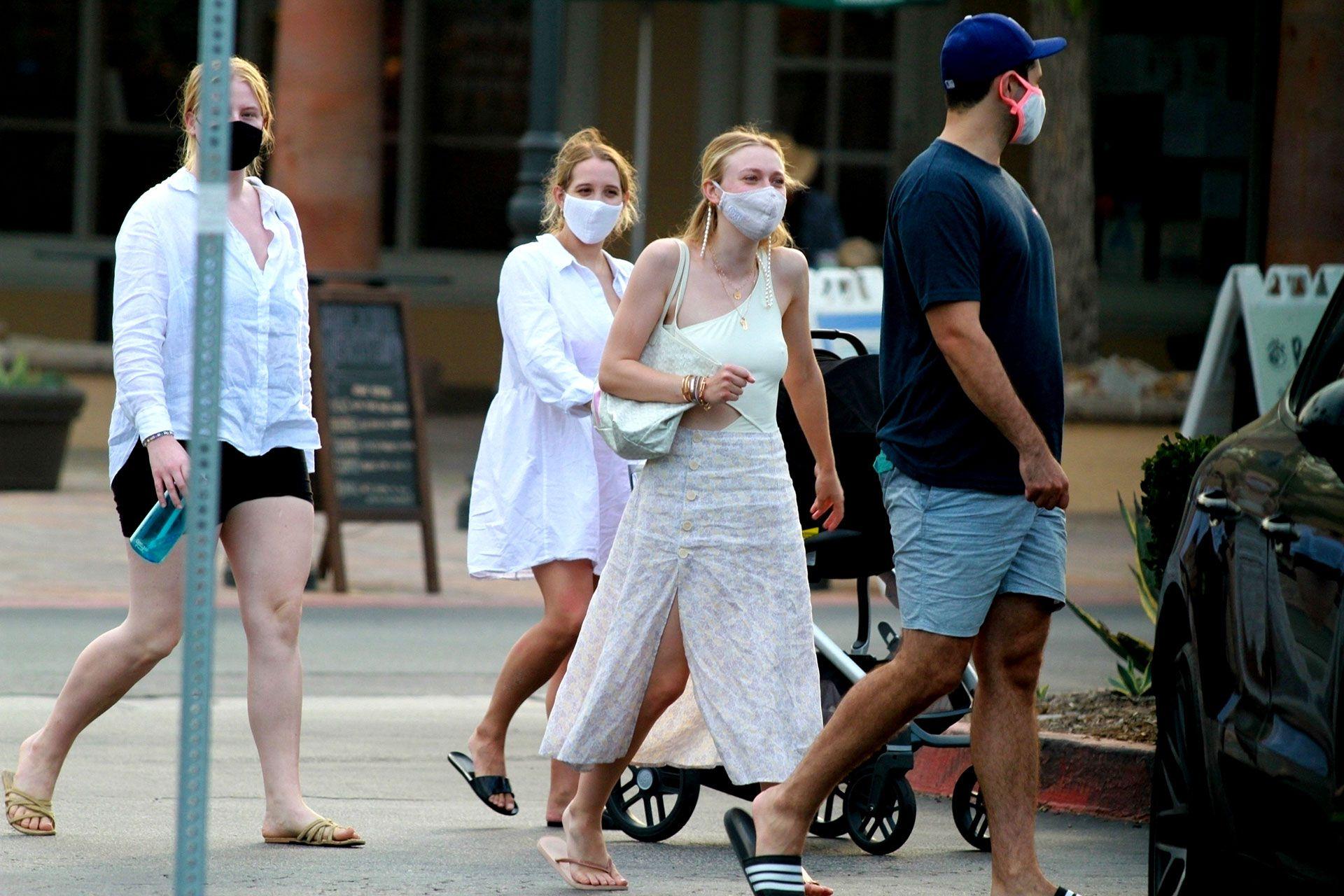 Celebrities-en-un-clic-Dakota-Fanning-08102020