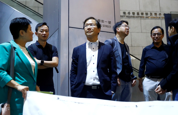 Thomas Kwok, empresario de bienes raíces, estuvo en el centro del mayor juicio por corrupción de Hong Kong. (REUTERS/Thomas Peter)