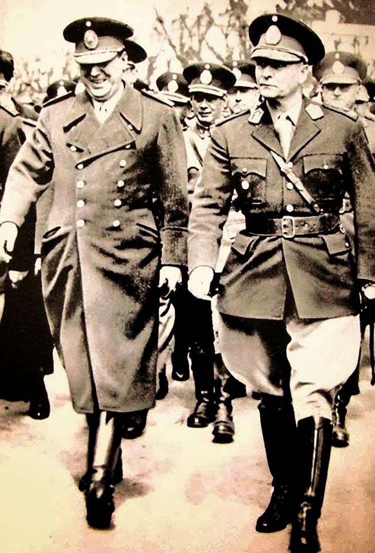 Juan Domingo Perón y su ministro de Guerra Franklin Lucero: una historia cuenta que en 1953 el general le encomendó una misión secreta que involucraba a Adolf Hitler