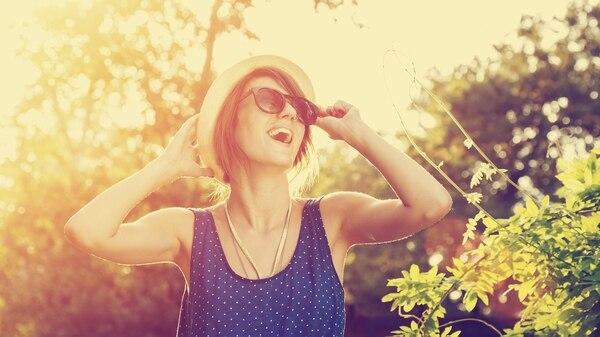 La córnea es la primera lente que encuentra la luz cuando penetra en el globo ocular (Getty)