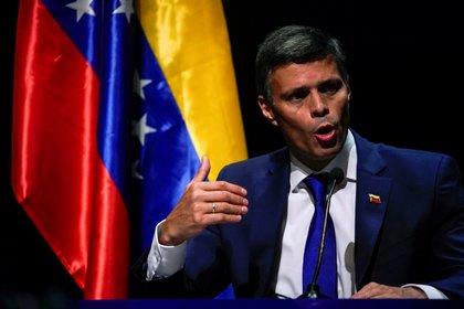 Leopoldo Lopez habla durante la conferencia de prensa en Madrid (REUTERS/Juan Medina)