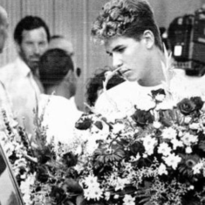 Cyril Jaquet Merino durante el entierro de sus padres (La Información)
