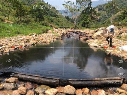 El ELN a atentado contra infraestructura petrolera, ocasionando derramamiento de crudo en varios afluentes del país.