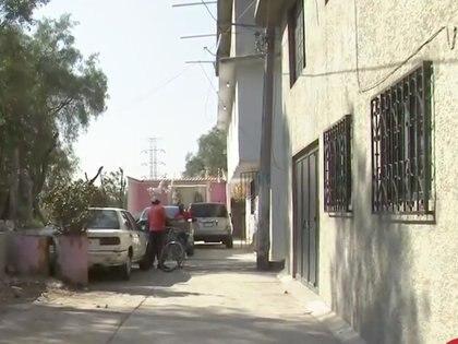 El cuerpo del joven de 16 años fue hallado con cinco balazos y golpes Foto: (Impresión de pantalla Noticieros Televisa)