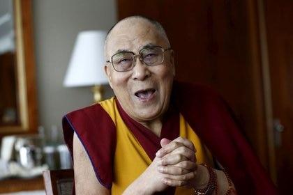 FOTO DE ARCHIVO: El líder espiritual tibetano, el Dalái Lama   (Foto: REUTERS/Denis Balibouse/Foto de archivo)