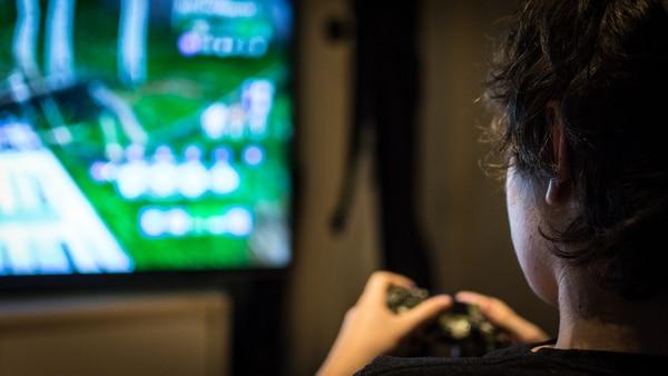 Los chicos pueden pasar el día entero jugando al Fortnite