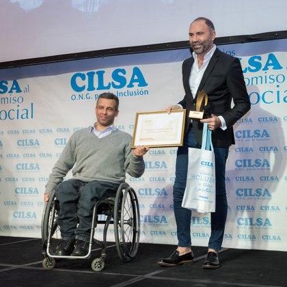 El diseñador de Alta Costura Gabriel Lage, quien colabora con el Hospital de Clínicas José de San Martíny hace sus desfiles siempre a total beneficio de la 'Fundación de Asistencia Social' para destinar el dinero a equipos de ultima generación y alta complejidad