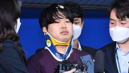 Cho Ju-bin, de 24 años, fue encontrado culpable de dirigir una red de tráfico sexual en línea que esclavizó virtualmente a más de 70 mujeres, incluidas 16 menores de edad (AFP)