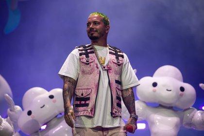 El galardonado con el Grammy de 35 años pidió a los fans que se tomen en serio el virus. (Kent Nishimura / Los Angeles Times/Polaris)