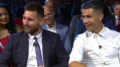 Messi y Cristiano, juntos en el premio de la UEFA, que quedó para Van Dijk